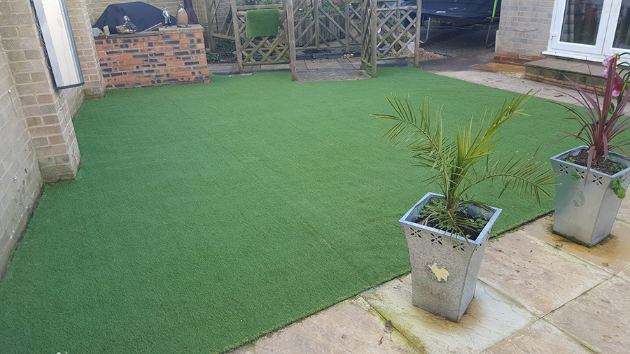 Artificial grass in Witney, nice job for the winter!